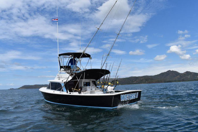 offshore fishing tour in Guanacaste